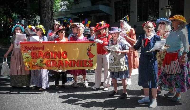 portland-pride-2015-raging-grannies